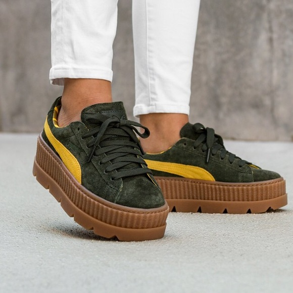buy popular 449e9 f131f FENTY PUMA suede cleated creeper platforms NWT